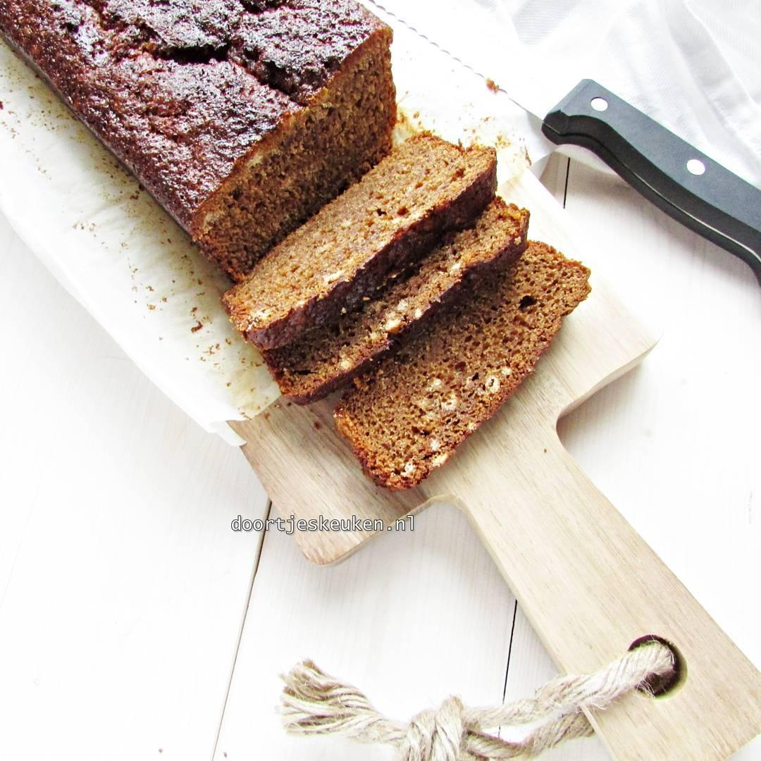 Deze overheerlijke kruidkoek staat sinds vanmorgen op mijn site #doortjeskeuken #kruidkoek #cake #foodpics #foodblog #foodblogger #cinnamon #gember #ginger #homebakery #homebaked #love #liefdevooreten #linkinbio