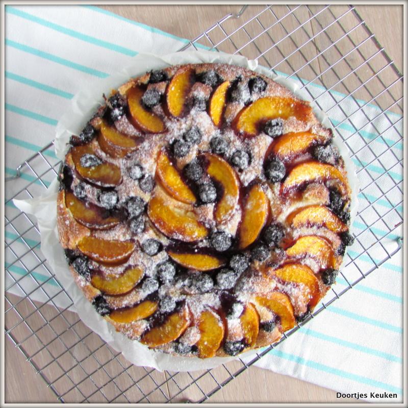Bosbessen perzik cake met Griekse Yoghurt