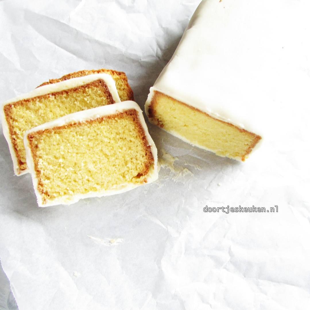 Het recept voor marsepeincake online! #doortjeskeuken #foodie #foodblogger #linkinbio #dutch #xmas #kerst