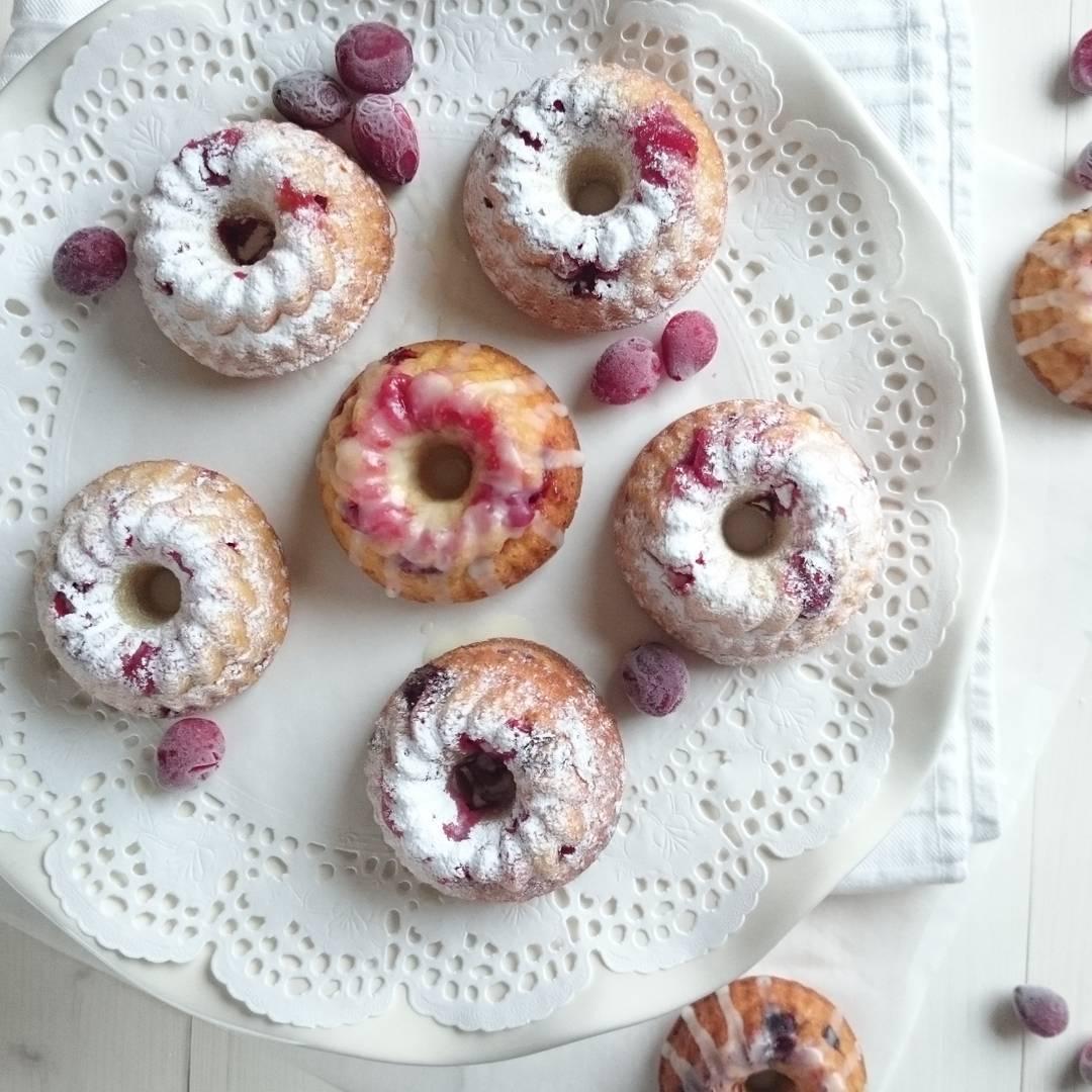 It's #christmas time! Nieuw recept op Doortjes Keuken! #tulbandjes #kerst #foodpics #foodblogger #foodblog #homemade #cake #cranberrys #bundtcake #Orange
