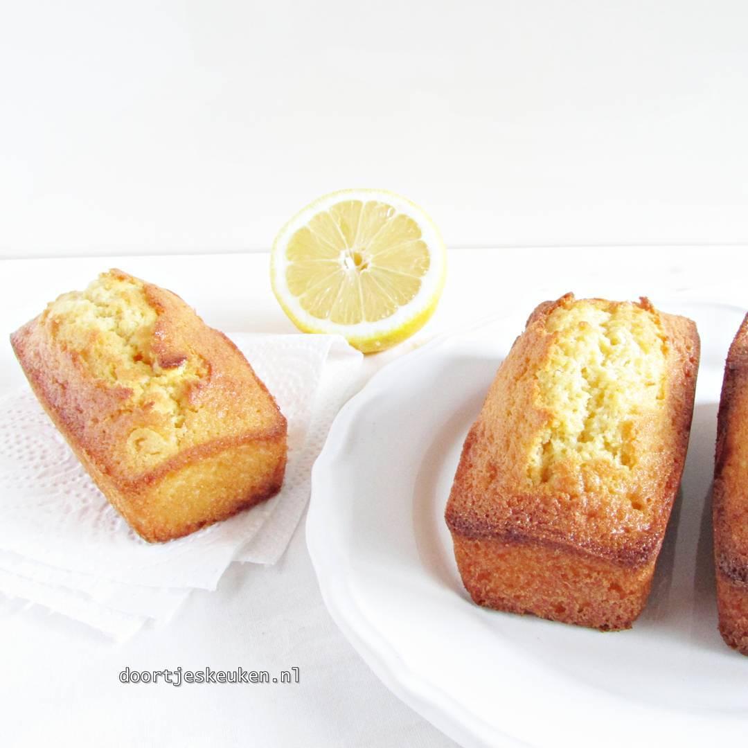 Nu online, deze overheerlijke citroencakejes #lemon #doortjeskeuken #foodies #foodie #foodblog #foodblogger #homemade #liefdevooreten #homebakery #bakery #Dutch #linkinbio #foodpics #food #eten #foodporn #foodgasm #foodphotographer