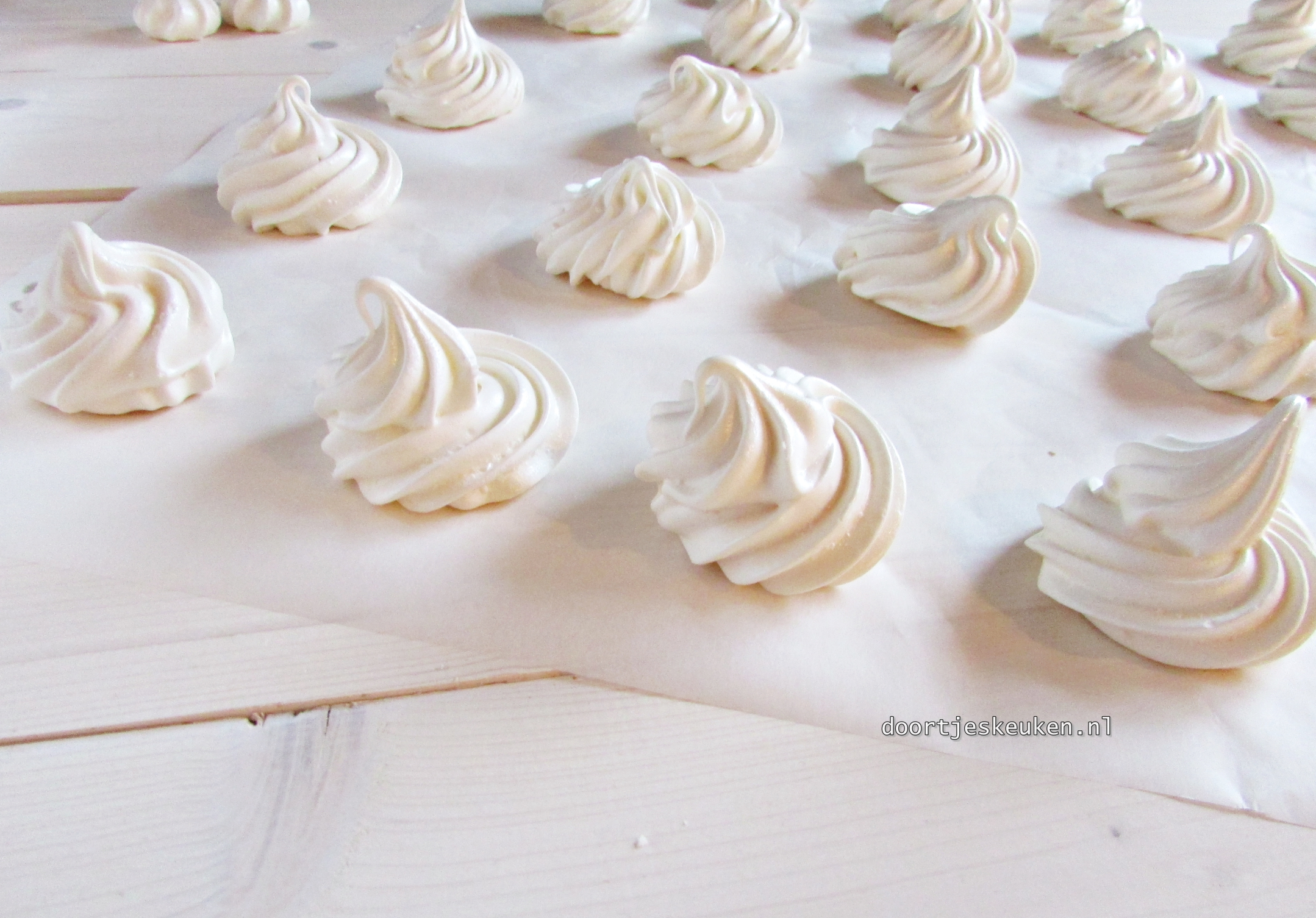 Schuimpjes (meringue)