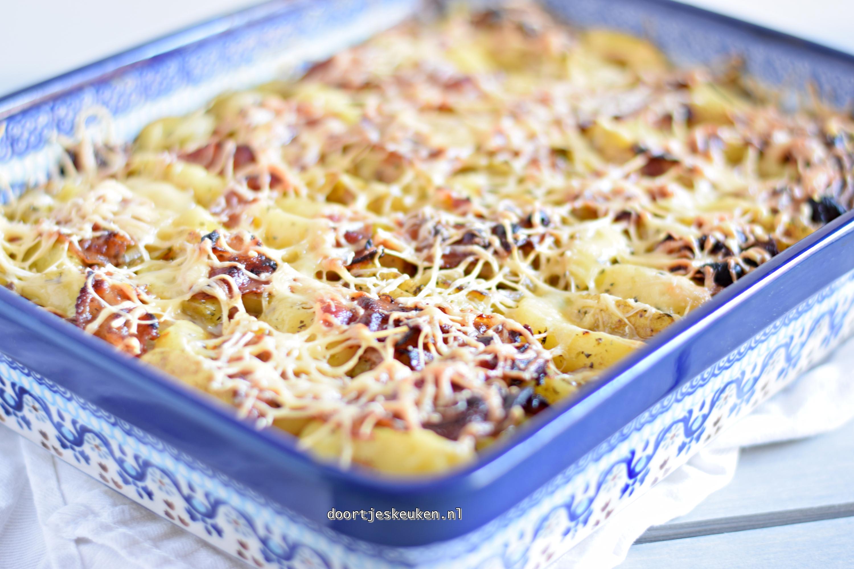 Aardappelschotel met gehakt