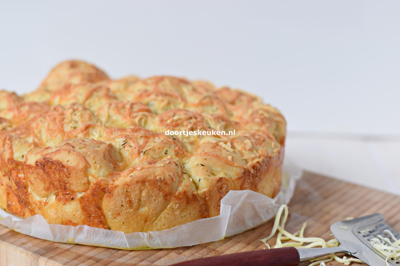 Knoflookbrood met kaas