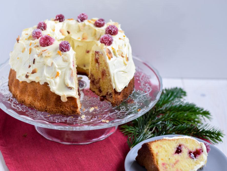 Kersttulband met cranberry's, sinaasappel en witte chocolade