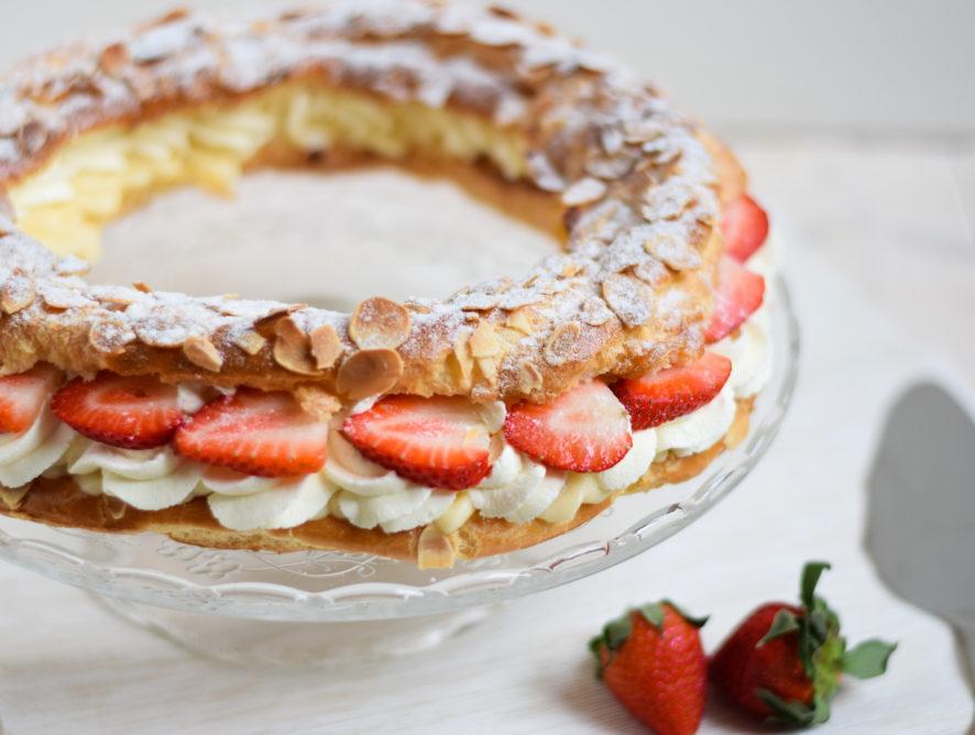 Paris brest met verse aardbeien