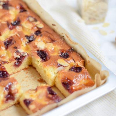 kersencake met bakkersroom